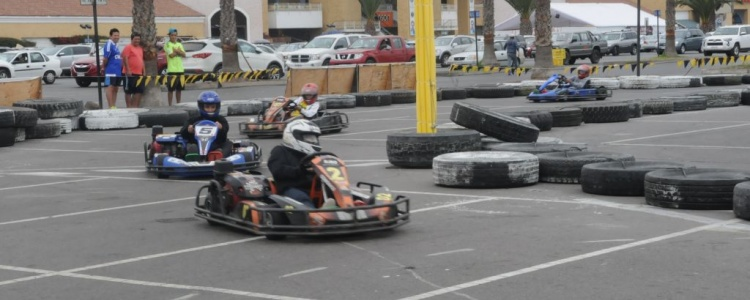 Niños de escasos recursos vibraron con la velocidad del Rally Karting